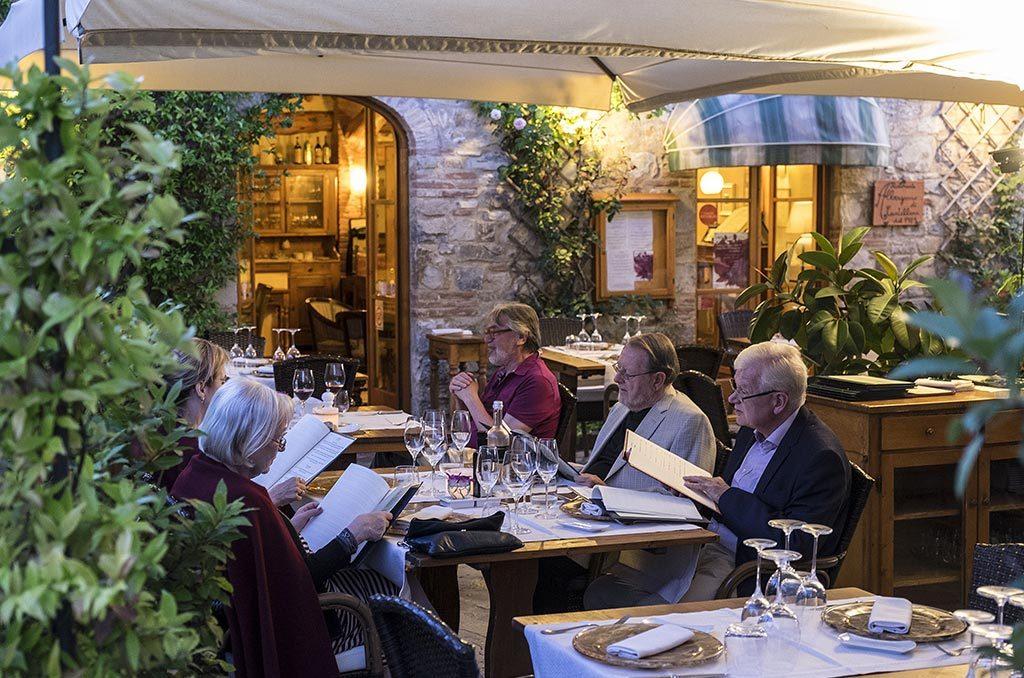 Terrazza del ristorante albergaccio castellina in chianti